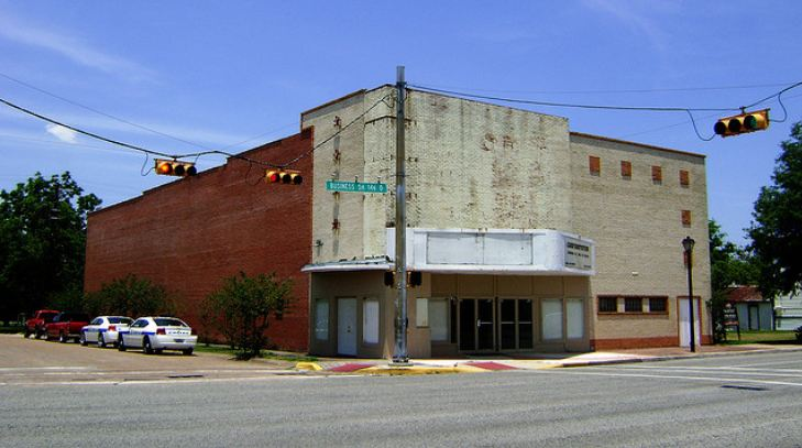 Weiner robinson theater for Where is laporte texas